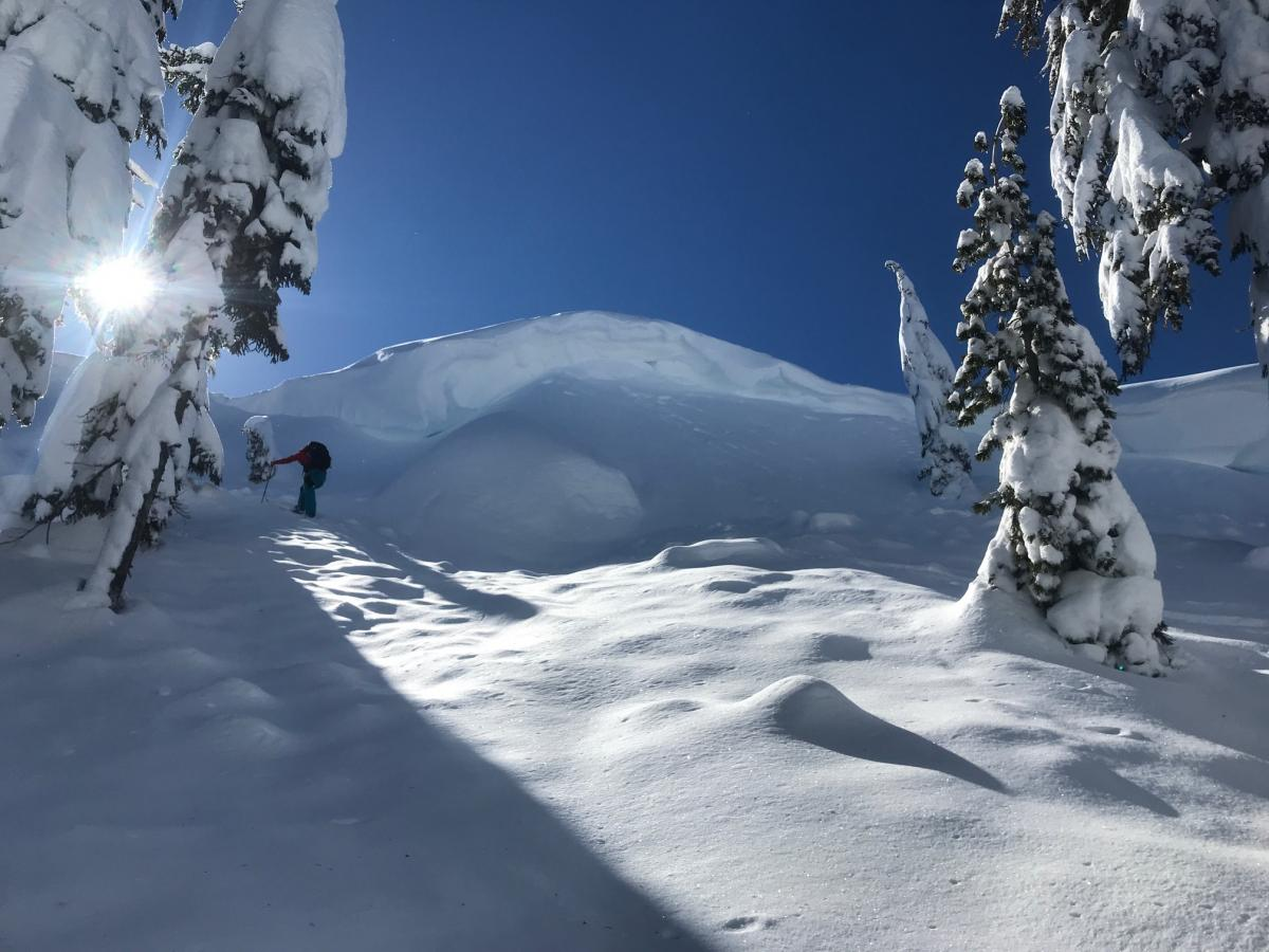 Large cornices dawned ridgelines along the entire crest of the Cliff Lake cirque