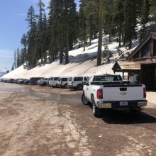 The parking lot at Bunny Flat tends to fill up quickly on the weekends. Please be courteous and do not block vehicles.