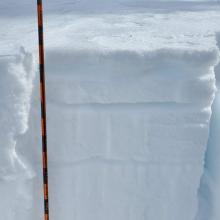 Stable snow pack with some sugary snow 5 cm and 15 cm down. No notable CT failures.