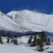 Ridges and moraines are still devoid of usable snow