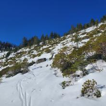 Right peak is not ski-able but can be traversed.